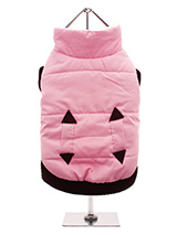 Pink Quilted Bodywarmer - Practical and fashionable in girly pink trimmed with a dark brown elasticised ribbed hem for a nice neat fit. The soft fleece lining will certainly keep your pup snug and warm.
